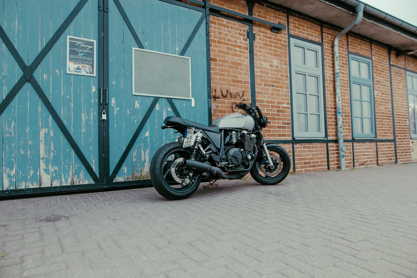 xjr-1300-caferace-bratr-street-flat-track-099