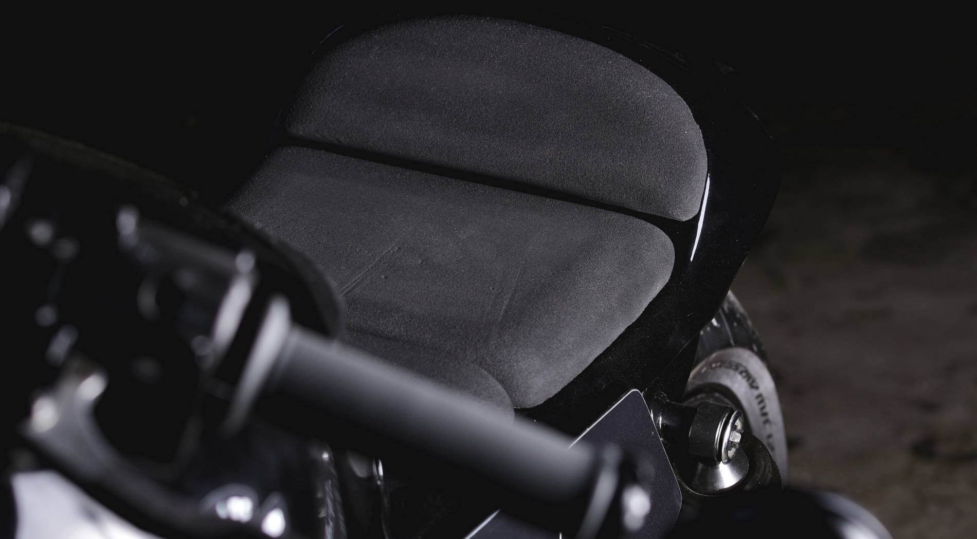 motorradsitzbank-aus-zellkautschuk-moosgummi-bauen